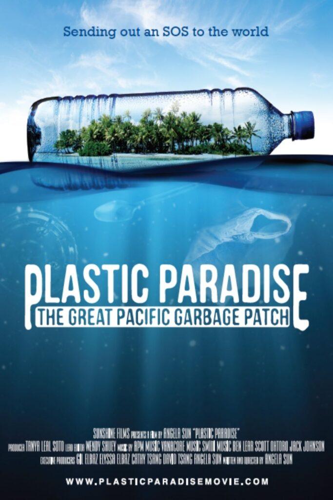 Tome algunos bocadillos (sin plástico), atenúe las luces y deje que un documental de cero desperdicios cambie su vida.  Imagen de Plastic Paradise #zerowastedocumentaries #sustainablejungle