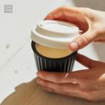Vivir sin plástico con una taza de café reutilizable